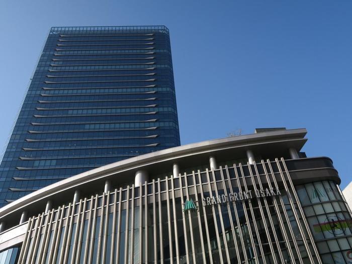 連絡通路で駅と直結しているグランフロント大阪。こちらも北館と南館があり、いろいろなショップやレストランが並んでいます。