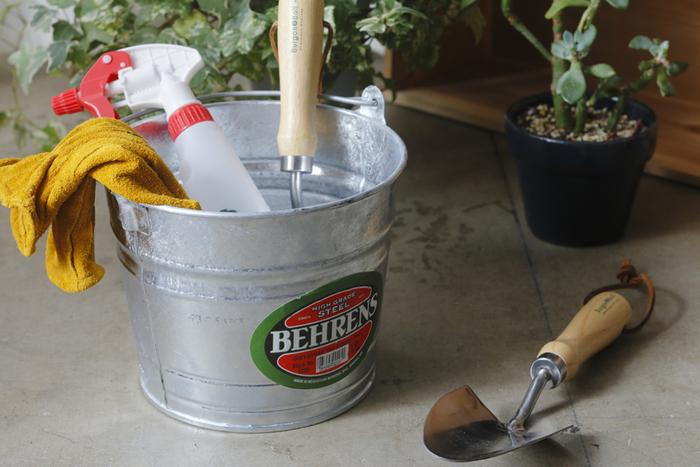 アメリカで100年以上、鉄製のバケツを作り続け、現在でもアメリカの家庭の庭やガレージでよく見かける「BEHRENS(ベーレンス )」の高級ステンレススチールを使ったバケツ。