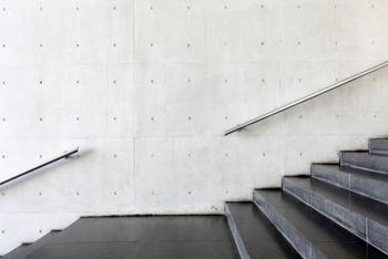 質の良い汗をかくには、代謝を上げることが肝心です。でも、激しい運動は熱中症の危険性もありますよね。暑い時期は無理をせず、階段をこまめに使うなど、日常の中で出来ることを見つけてみましょう。
