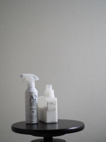 洗剤は、洗浄する汚れに合わせてアルカリ性や酸性など「ph」(水溶液中の水素イオン濃度指数)が異なる成分で作られていて、酸とアルカリ、それぞれが得意とする汚れが異なります。まずは、ナチュラルクリーニング用の洗剤としてよく使用される物から見ていきましょう。