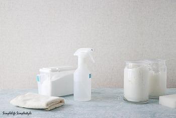 セスキで落ちない油汚れなどには、とろとろせっけんがおすすめです。粉せっけん1カップとお湯1リットルをよく混ぜ、冷めてくるととろみが出てきます。  ※液体せっけんと粉せっけんは成分が違いますが、お風呂用などの普通の固形せっけんであればすりおろすと粉せっけんのように使う事ができます。