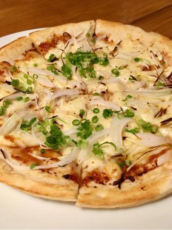 ピザやソーセージなどお酒に合うメニューもあるので、ロースとチキンと一緒にいかがですか?