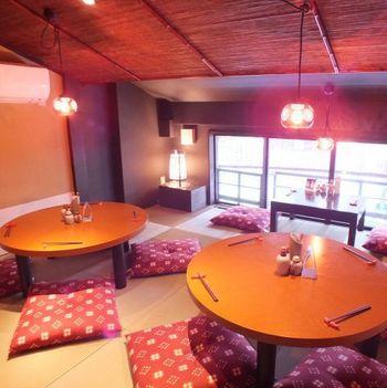 店内もレトロな雰囲気。座布団にちゃぶ台、とまるで京都のおばあちゃんの家に来たかのような感覚を味わえます。