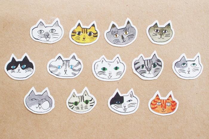 同じく中西なちおさんのロールシールは、1枚ずつはがして使える猫型のシール。愛嬌のある13種類の猫ちゃん達の顔シールが、なんと10mも、たっぷり楽しめます。