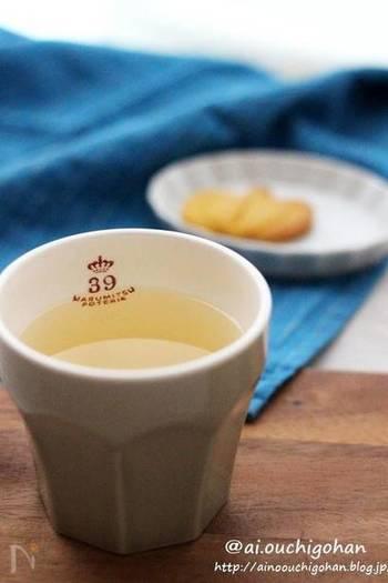 【ホットジンジャーはちみつレモン】 とろみがないものを飲みたい時にはこちら。はちみつと生姜、さっぱりレモン汁を入れたジンジャーはちみつレモン。忙しい朝でもさっと作れます。