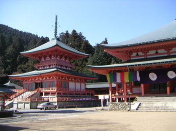 比叡山延暦寺や国宝彦根城、近江商人の街の八幡堀など文化財も多く見応えある滋賀県の観光スポットをご紹介します。