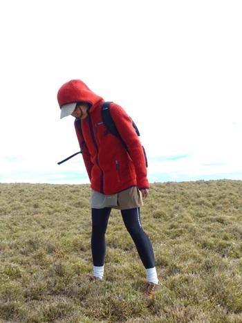 軽めのトレッキングから本格的な登山にまで対応する、アウトドア専門ブランドならではのラインナップ。軽量でスマートな女性用アイテムもそろうので、山ガールならぜひチェックしておきたいブランド♪ ※写真は、キャップとキュロットがモンベル。