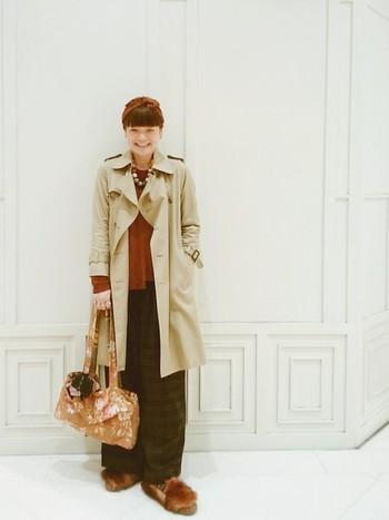 """2007年より熊切秀典を中心とした4名のチームでデザイン活動をする日本のブランド。意外性や遊び心のあるデザインと、確かな素材選びに定評があります。最近はバッグなどのファッション小物もブレイク。「母親と子どもが共有できる服」をコンセプト生まれた""""キッズシリーズ""""のトレンチが人気です。"""