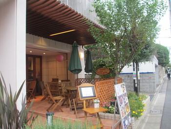 西武新宿線井荻駅から徒歩約6分。住宅街の中にあるこちらのお店は、店名通り美味しいガレットの食べられるカフェ。
