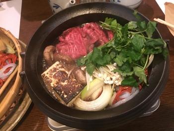 近江牛の老舗「毛利志満」では、すき焼きやしゃぶしゃぶ、ステーキにハンバーグ、握り寿司にローストビーフ、ハヤシライスやハンバーグまであらゆる肉料理がランチで食べられます◎
