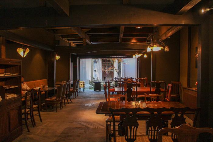 黒壁スクエアにある滋賀を代表する菓匠「叶匠寿庵」のカフェ。古民家で落ち着いたおしゃれな雰囲気です。