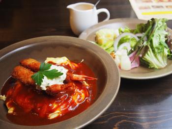 料理のおいしさにも定評があり、カフェとしてもレストランとしても利用できます。カジュアルに楽しめるコース料理もあるので、ちょっと特別な日に訪れてみてもいいですね。