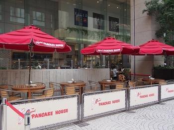 吉祥寺駅からすぐのマルイの中にあるお店は、オレゴン発祥の老舗パンケーキ屋さんの日本第一号店。