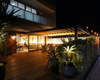 小江戸として観光客にも人気の街・川越。その川越駅から徒歩約6分の場所にあるこちらのお店は、ハワイアン創作料理が楽しめるカフェです。テラス席は広々としているので散策後にゆったりとくつろぐのにもおすすめ。