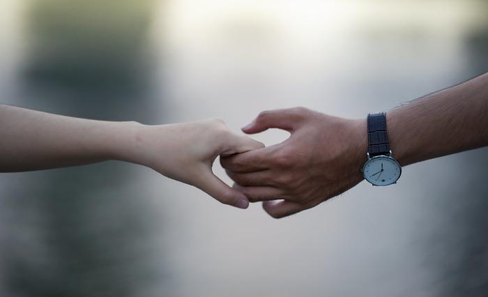 私たちも、普段は凛としながら、好きな人や心を許せる人の前では素直に甘えられるようにしたいですね。