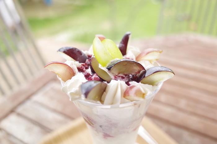 収穫量は特別多いわけではありませんが、富山も美味しいブドウの生産地。ぶどう園の敷地内に併設されたこちらのカフェでは、新鮮なブドウをふんだんに使ったスイーツを食べられます。