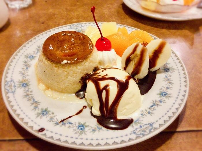 ケーキやプリン、パフェなどのデザートメニューも豊富です。昭和の雰囲気を味わえる喫茶店なので、居心地のいい空間でゆったりと過ごしたい気分の時に足を運んでみてくださいね。