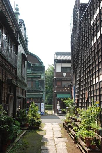 夏の終わりにレトロな世界へ~「江戸東京たてもの園」を訪れてみませんか
