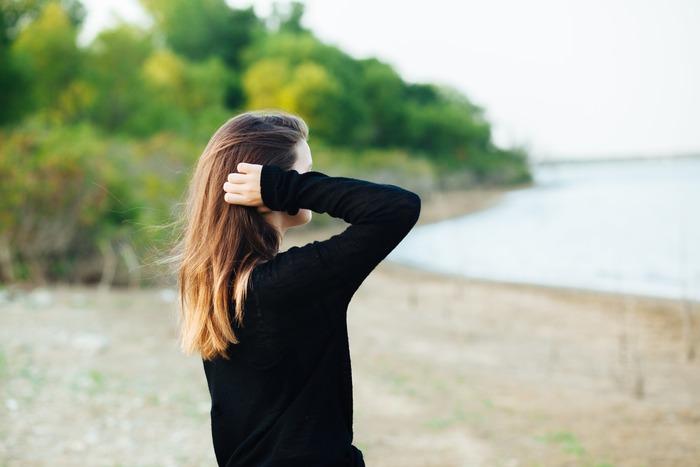 秋口に体がバテてしまう方にはこのような現象がみられやすいといわれています。  ・食欲が減退気味 ・仕事や家事など、やる気がわかない ・風邪をひきやすい ・寝汗がたくさん出る ・朝起きにくい、目覚めが悪い ・疲れやすく、体のだるさがある ・喉がよく乾いてしまう  ……など。 当てはまるものが多い方は、もしかしたら体が秋バテしている可能性があるかもしれません。