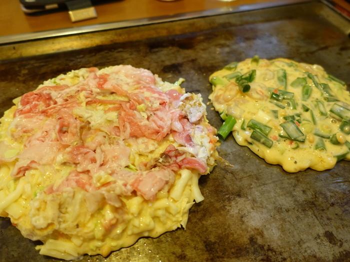 敷き詰めるというよりは、ドッサリのっけて焼く豚肉。ボリュームたっぷりです!