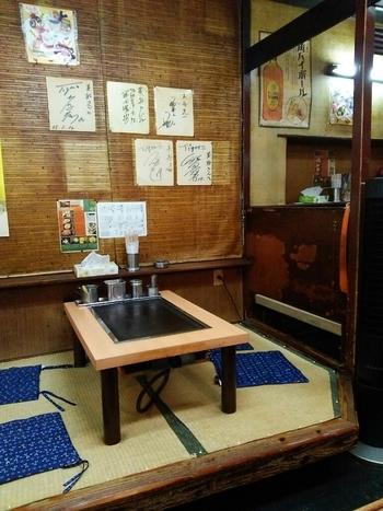 大阪市北区梅田、通称・キタのリーズナブルな飲食店が並ぶ『阪急東通り商店街』には、『美舟』があります。畳敷きの御座敷席が落ち着きますね~。