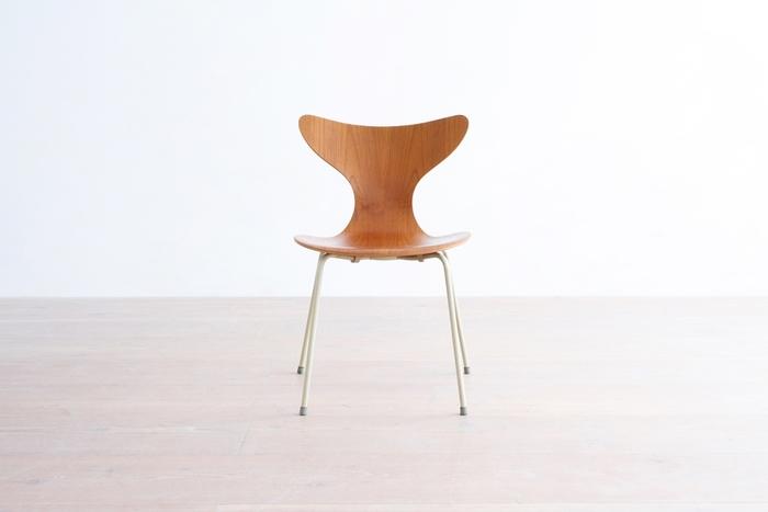 ✻アルネ・ヤコブセン/model.3108 エイトチェア デンマークが誇る巨匠・ヤコブセン。建築家でありデザイナーであった彼は、北欧だけでなく世界のモダンデザインを牽引しました。