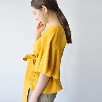 服などは、長く着られる上質な定番服を少しづつ揃えていくと良いでしょう。