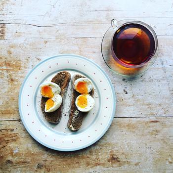 半熟卵の仕上がりが安定しないのは、作り方が毎回違っていたり、ひと手間が足りないせいかもしれません。まずは正しい手順とコツをしっかりおさえましょう。