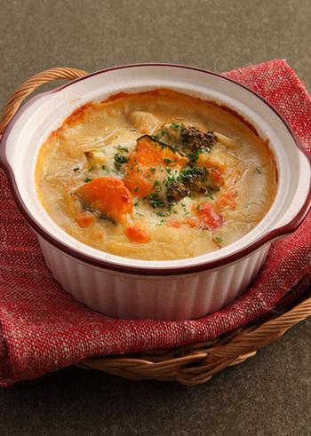 こちらは、玄米粉を使った、豆乳仕立てのヘルシーグラタン。玄米粉は、手軽に玄米の栄養が摂れるお助け食材ですね。ほくほくかぼちゃなど野菜たっぷりで、体も温まる、幸せグラタンです♪