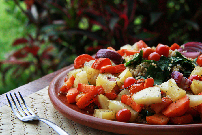 野菜は旬を迎えると、旬以外の時期よりも栄養価が高くなるといわれています。種類によっては栄養素の含有量が2倍になるものもあるのだそう!旬の野菜はリーズナブルに手に入ることも多いので一石二鳥ですね。食欲の秋というのは、これから寒くなる冬の時期を元気に過ごすために栄養をたっぷり蓄えておこうとする人間の体にとって好都合にできているんですね♪