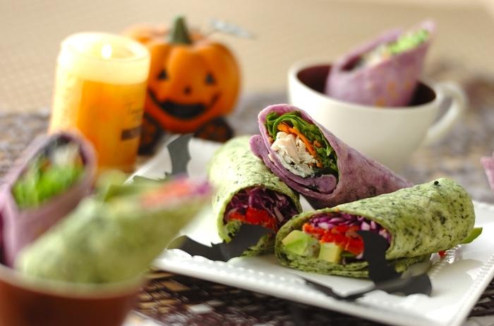 野菜をたくさん巻いてヘルシーなラップサンド。緑はほうれん草、紫は紫芋パウダーを使ってトルティーヤを生地から手作りしてハロウィン仕様に。