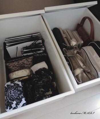 小ぶりなバッグやポーチ類は、ボックスの中に立てて収納すると見やすく取り出しやすくてgoodです。