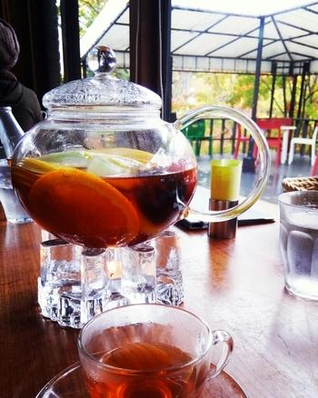絶対に味わいたいのが、名物のフルーツティ。柳生さんの奥様が喫茶の専門学校に通って編み出したフルーツティーは、まさに絶品です。