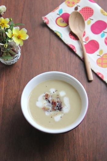 栗とさつまいもの自然な甘さを活かしたポタージュは、クリーミーでやさしい甘さにほっこり。このレシピでは牛乳を使っていますが、生クリームにすると濃厚に仕上がりますよ。