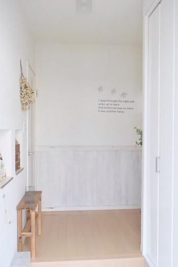 """玄関を快適にする為のアイデアをご紹介しましたがいかがでしたか?家の""""顔""""と言われる玄関だからこそ、清潔感に溢れた、ほっと安らげる空間にしたいものですよね。ぜひお気に入りのアイテムで玄関づくりをはじめてみてくださいね♪"""