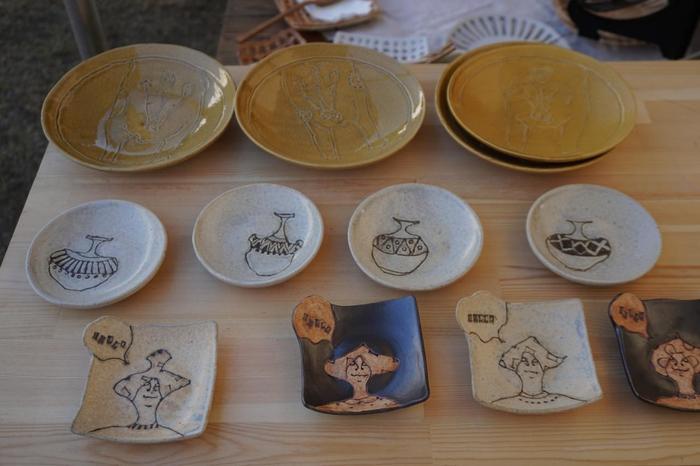 「陶芸の森」では、作家さん達が自ら販売する「信楽セラミック・アート・マーケット」が開催され、個性的な器を楽しむことができます。