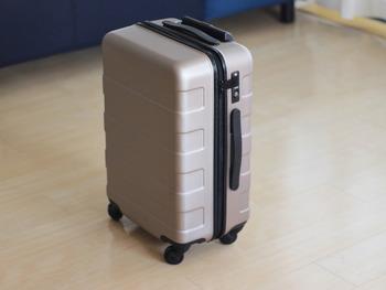 シンプルなデザインの無印のハードキャリーは、サイズ展開やカラーバリエーションが豊富です♪丈夫な上にキャスターの動きも滑らかなので、空港や駅などでストレスフリーに移動できるでしょう。
