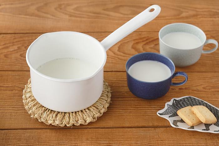 「ミルクパン」はその名の通りミルクを温めたり、ソースを作ったりする時に重宝する小さな鍋のこと。