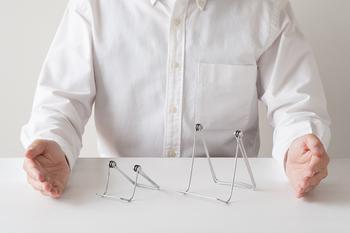 スタンド自体はとってもシンプル。アメリカのショップでも使われており、実用性の高さは折り紙付きです。