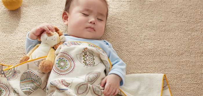 赤ちゃんの毎日のお昼寝タイムに、お出かけ時のエアコン対策にと、赤ちゃんの生活に欠かせないベビータオル。 日々使うものだからこそ、高品質な日本製が安心ですね!