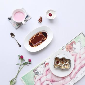 絵本に出てくるクマさんのような、かわいいプリン型も。食べるのが可哀想なくらいのクマさんは、テーブルがとっても可愛くなります。