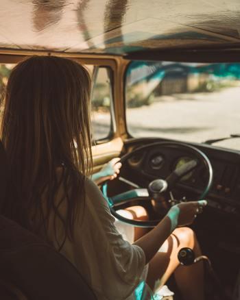 はじめて行く場所でも、お気に入りの場所でも、旅は新しい体験の宝庫です。友達と行くのも良いですし、思い切って一人旅も良いですね。  環境を変えることで考え方も変わり、前向きな気持ちになれることでしょう。