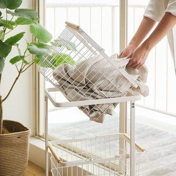 今週の仕事の予定からお風呂掃除のカビがなかなかとれないこと、ゴミ袋はもう少し大きい方がいいかな、洗濯ものが最近増えたよねと、いった細かいことまでたくさん話して情報共有するようにしましょう。その家事をしていないと気づかないことも多いですし、知っていたからスムーズに家事をすることもできます。