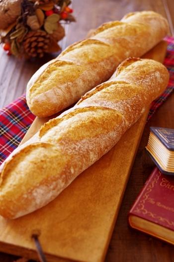 フランスパンの保存方法は、早く食べられるときは常温。長めに保存したいときは冷凍してしまいましょう!保存方法をしっかり守れば美味しいパン屋さんに出かけても躊躇せずフランスパンを買うことができますね♪