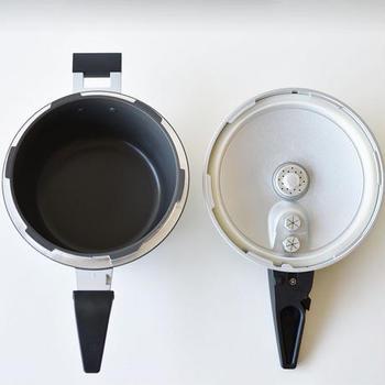 使い始めてすぐは、圧がかかる瞬間ドキドキしますが慣れてしまえば大丈夫。何時間もかかっていた煮込み料理が短時間でできる優れものです。お料理が好きだけどなかなかゆっくり作る時間がない方に特にお勧めします。