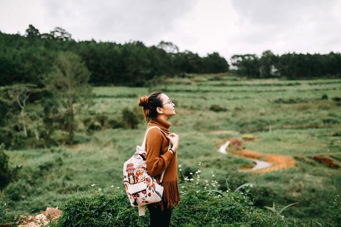 秋の行楽シーズンに旅行に出かける予定のある方は、出発前までに旅に役立つアプリをスマホに入れておくのがオススメです!