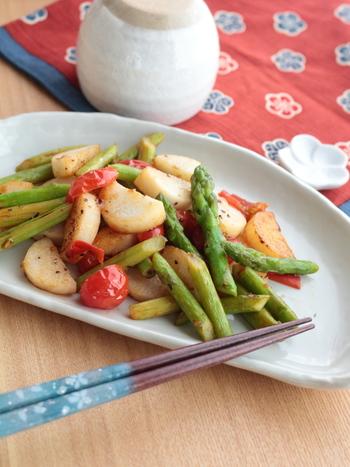 おつまみにも、お弁当のおかずにもぴったりの、野菜のさっぱり炒め。サッと炒めてお酢と調味料をかけるだけの時短レシピです。 この作り方を応用して、他の野菜で試してみるのもおすすめ。ボリュームを出したいときは、お肉を一緒に炒めても◎