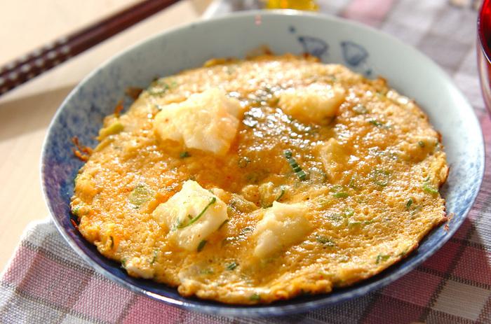 長芋と卵を合わせることで、コツなしでもふわっと仕上げることができます。半熟で仕上げると、より一層長芋のふんわりした食感が楽しめるのでおすすめです。