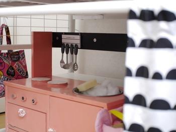 ロフトベッドは下段にたくさん収納できるから、スペースの限られている子供部屋にぴったり。