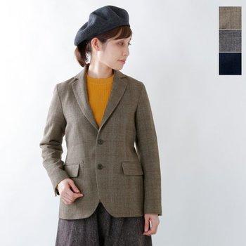 季節の変わり目に重宝する短め丈のアウター、ジャケット。上質な素材で丁寧に仕立てられたテーラードジャケットからカジュアルなデニムジャケットまで種類豊富で、TPOに合わせたコーデを楽しめます。